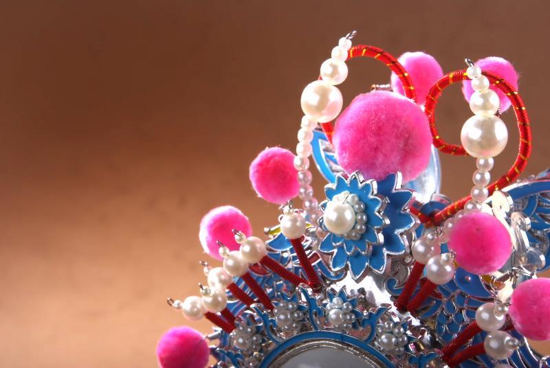 手工制作雪花衍纸新年吊饰装饰物的图解教程