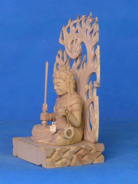 供应木雕佛像坐不动明王