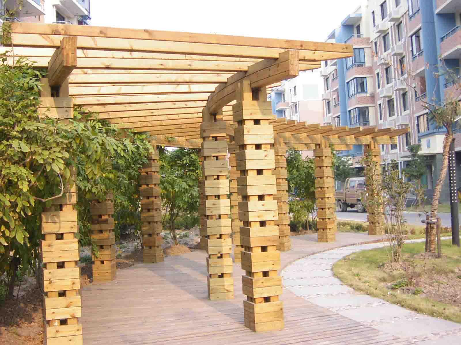 广州正山木结构工程有限公司是一家专业销售进口防腐木材和木结构技术服务的公司,是上海正山木业有限公司的下属子公司。公司引用源自世界领先的北美防腐木材研制生产技术,立足中国力求创新,致力于为中国市场提供最先进的木材防腐技术和产品。是目前中国投资规模最大的ACQ、 CCA防腐木材处理加工企业之一,同时也是中国市场从事防腐木构造工程最专业的公司之一。 公司致力于打造中国最具实力的防腐木材生产、加工、研究基地。并一直坚持追求行业领先地位,积极引进和培养防腐木材行业最高端人才。公司具有国内最早从事防腐木材研发的科技人