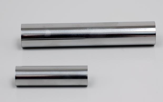 供应不锈钢管 线棒 我厂提供线棒货架覆塑管及SUS201不锈钢管,其主要用于与晶宇线棒接棒接头组合成物流仓储架,工业类/汽车行业/家居设备一类. 规格: 材质:覆塑管:铁质,外覆PE/PP/ABS塑料层 不锈钢管:不锈钢材质SUS201 长度:4M/根 外径:27.5MM~28MM 厚度:常规0.8MM,1.0MM 颜色:覆塑管:黑(ESD防静电管),米黄,白.