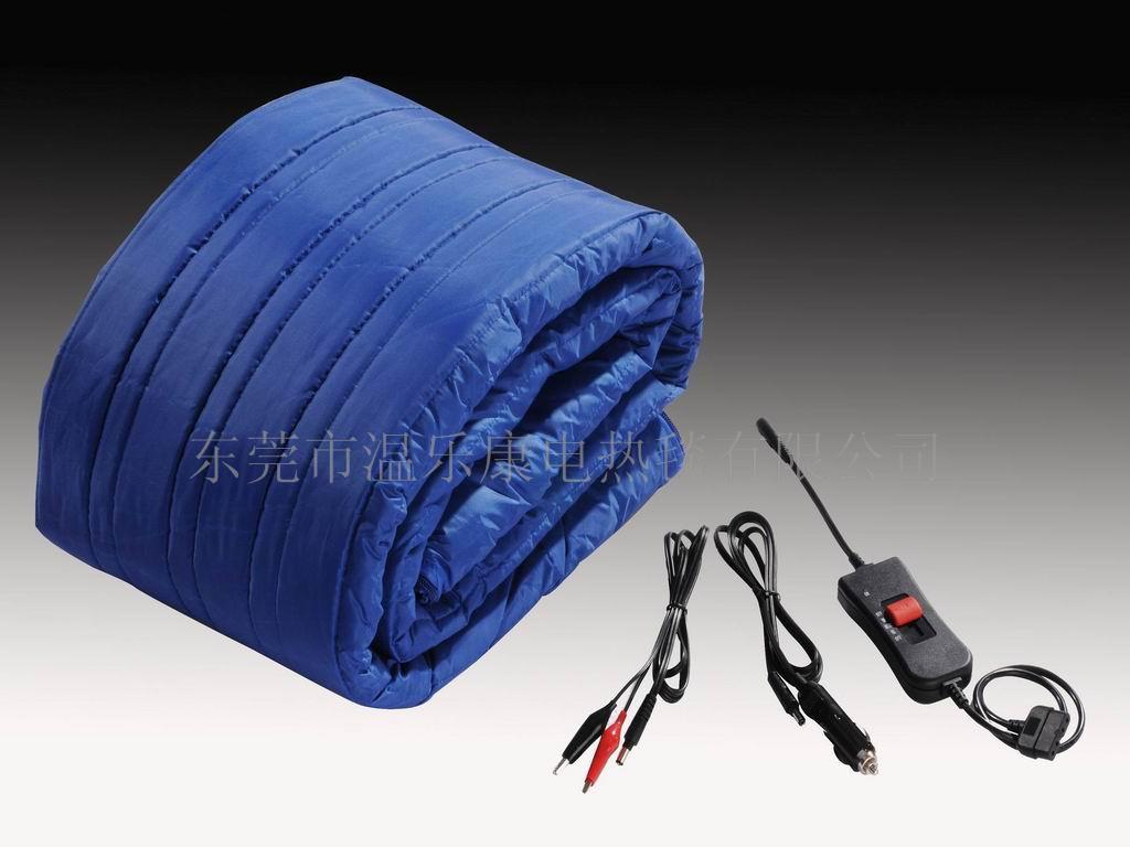 供应多功能低压安全电热毯 低压电热毯 24V安全电热毯 新上市五合一多功能,低压安全 五合一功能分别为: 保暖睡袋 尺寸:60*200cm/24-79,均码。 保暖长达八小时 附送电池连接插头 12V-20Ah电池(建议配置,本厂暂时不提供) 里料选用100%摇粒绒,非常舒适;面料100%涤纶(防水面料) 便于储放 颜色:宝蓝色(也可按客户要求订做颜色) 可机洗 车用电热毯 尺寸:60*200cm/47:-79,均码。 附送车载转接插座。 里料选用100%摇粒绒,非常舒适;面料100%涤纶(防水面料