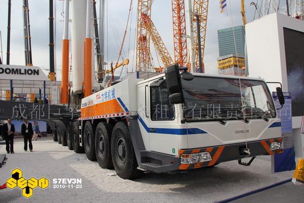 中联塔吊80吨吊车图片