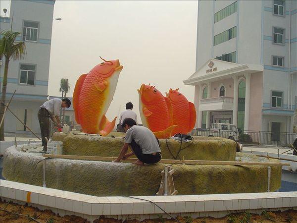 金鱼戏水景观雕塑