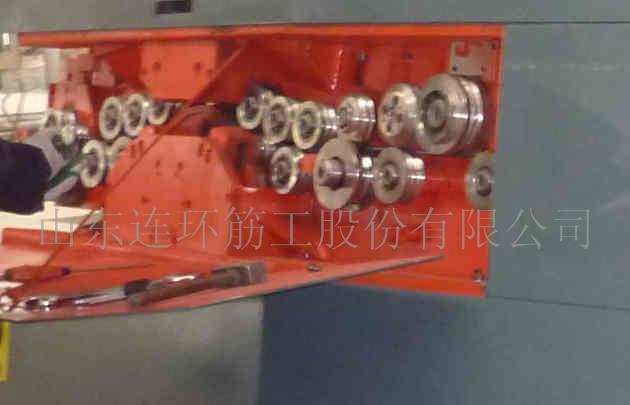 钢筋加工设备-数控弯箍机 加强筋弯曲 数控箍筋弯曲
