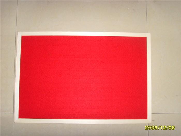 供应红色绒布板 利津一帆文教用品有限公司座落于山东省东营市,地理位置优越,交通便利,创建于2007年,是一家生产文教用品的专业厂家.为了保证产品质量,完善企业管理,提高员工素质,我们于2007年7月在同行业中率先通过ISO9001国际质量管理体系认证。 主营项目:软木板 白板、绿板,磁性板系列产品,规格齐全,质量稳定、可靠、供货及时,在国内外享有很高的声望。 适用范围:教室、办公室、家庭、公告、留言等。 常规规格:30*40,35*50 120*240 (CM),各种规格可定制。(注:各种规格详情请致电