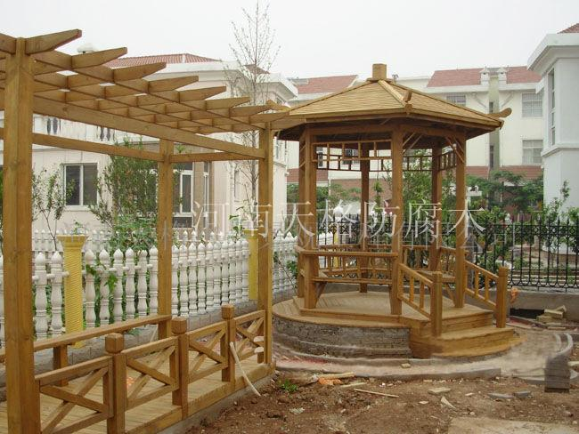 河南郑州锦绣苑防腐木亭子木地板动土了
