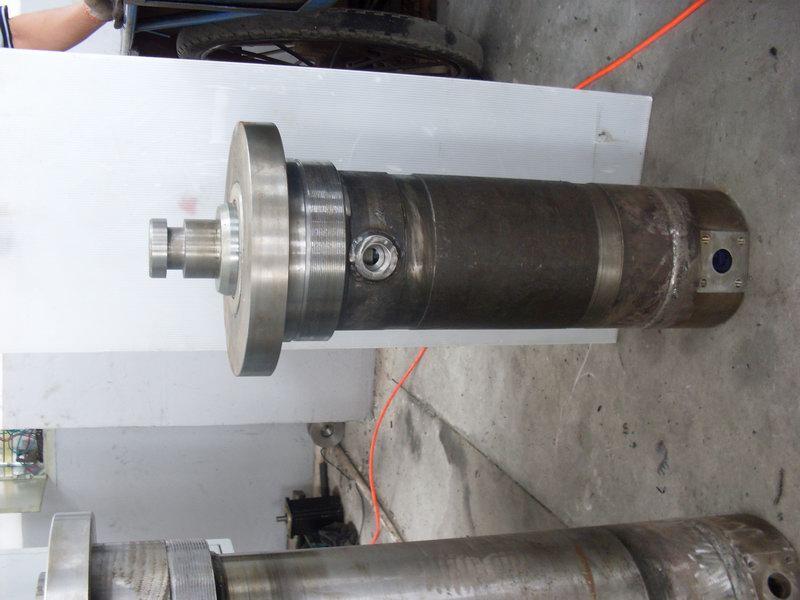 转向助力油缸 液压机总成图片