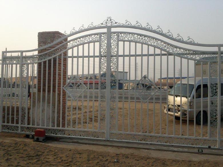 供应围墙栏杆,铁艺栏杆围栏