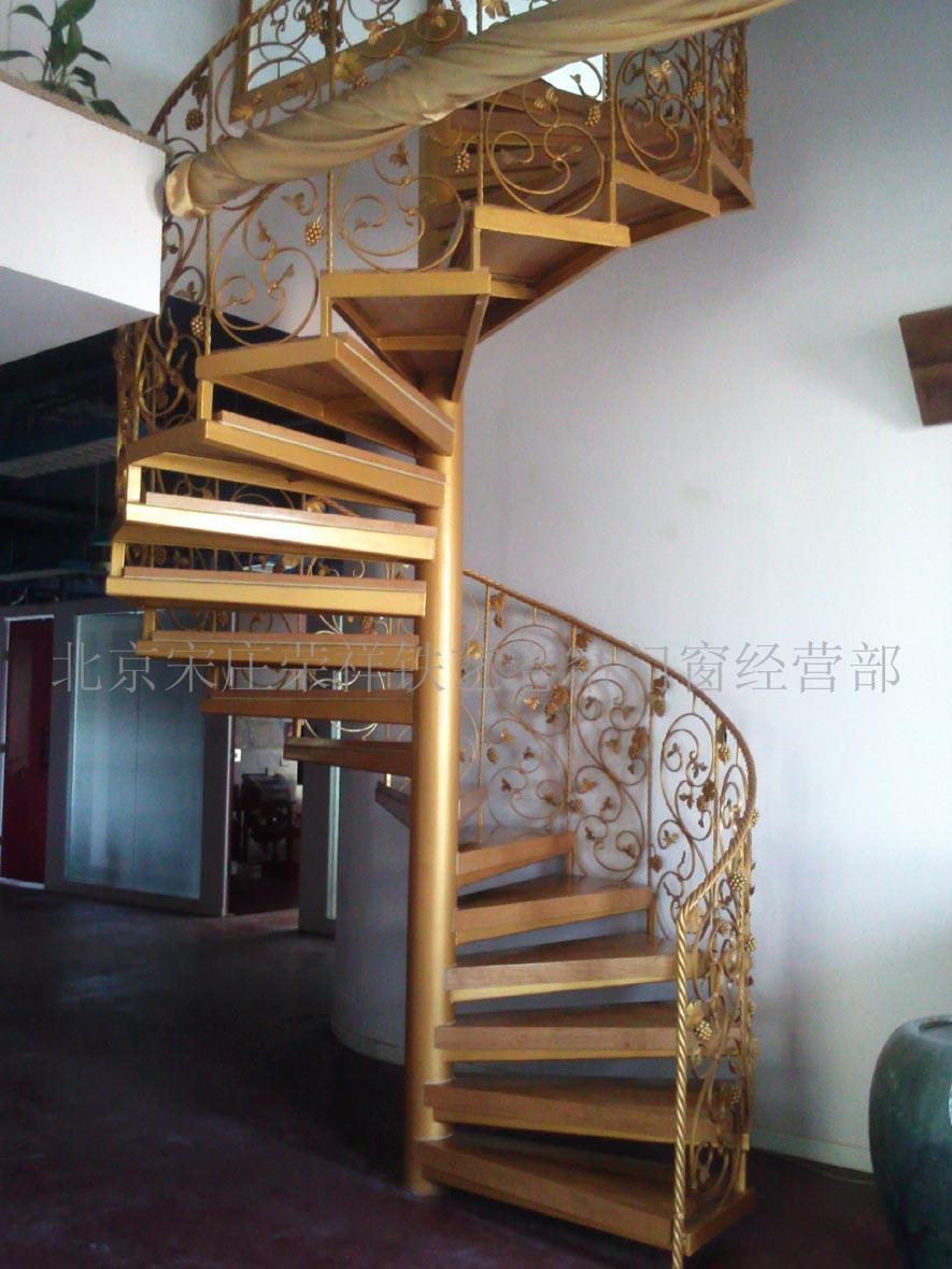 供应踏板楼梯,钢结构踏板楼梯,旋转踏板楼梯,优质踏板楼梯_旋转楼梯